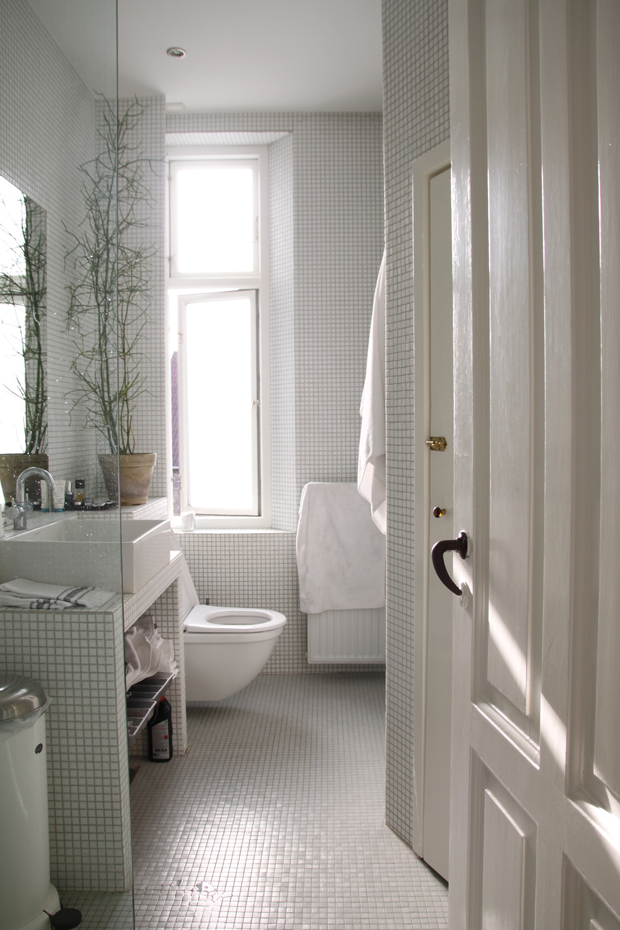 bathroom | Jungalow by Justina Blakeney