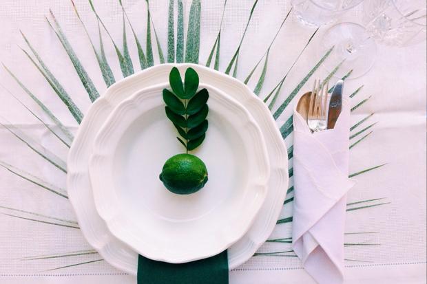 table-top-leaf