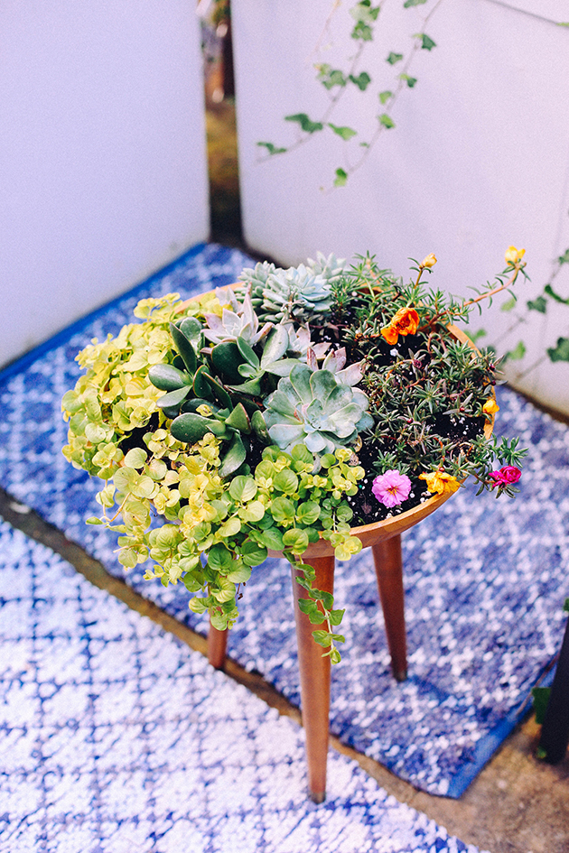 DIY-Succulent-Tripod-Planter-via-IHOD