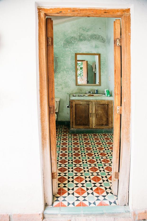 rustic-mexican-bathroom-2web