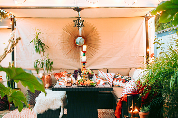 An Outdoor Dining Room for the Holidays with Hayneedle.com   The Jungalow