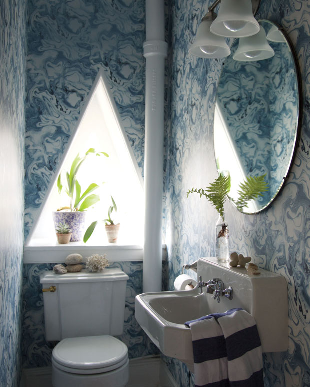 living-with-pattern-bathroom