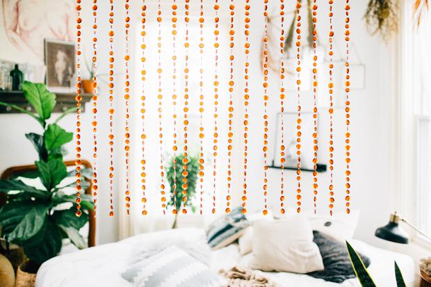 pad-peek-kara-bead-curtain