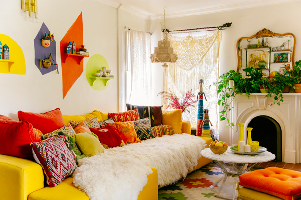 Living With Vintage Lucite Jungalow