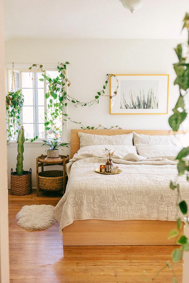 Sara Toufali_Natural Hamsa Quilt Set